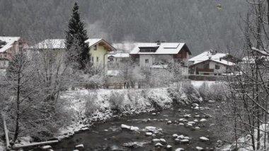 Skiing resort Mayrhofen, Austria — Stock Video