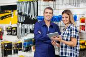 Customer And Vendor With Digital Tablet In Hardware Store — Stock Photo