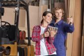 Carpenters With Digital Tablet Planning In Workshop — Stock fotografie