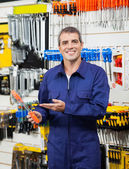 Confident Worker Showing Packed Screwdriver — Stock Photo
