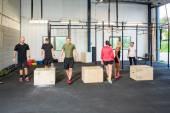 Atletas en caja clase de salto — Foto de Stock