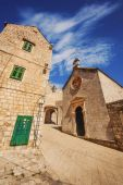 A wide angle shot of Dubrovnik Old Town generic architecture — Stock Photo