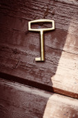 Old lost key on floorboards  — Foto Stock