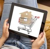 Woman online shopping — Stock Photo