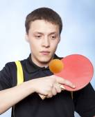 Man playing ping pong — Stock Photo