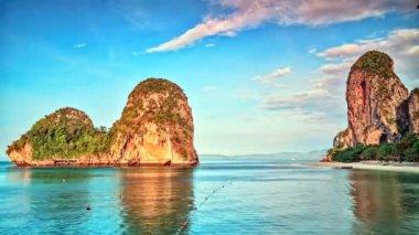 Tropical lagoon sunrise timelapse — Stock Video