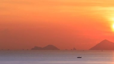 Sunrise over the sea. Timelapse. — Stock Video