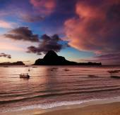 El Nido bay, sunset, Philippines — Stock Photo