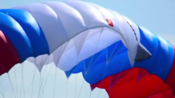 Paratrooper with flag — Vidéo