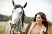 Woman with beautiful horse — Foto de Stock