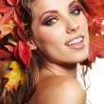 Autumn Woman with beautiful makeup — Stock Photo #56881289