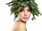 Christmas Tree Holiday Hairstyle and Make up — Stock Photo