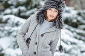 若い女性の冬のポートレート — ストック写真