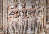 Apsara on the wall of Angkor Wat — Stock Photo
