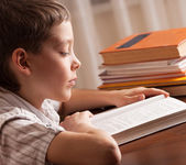 çocuk okuma kitabı — Stok fotoğraf