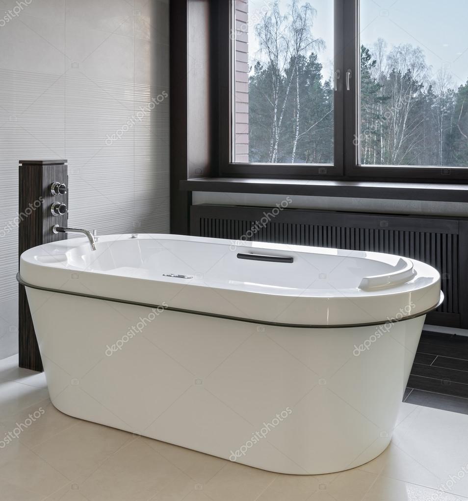럭셔리 욕실 인테리어 — 스톡 사진 © YegorP #91991822