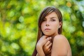 Hermosa joven cerrar — Foto de Stock