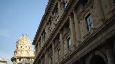 Building of stock exchange in Genoa, Italia — Stock Video