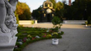 Sculpture near Branicki Palace in Bialystok — Stock Video