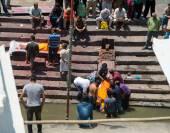Ölü yakma töreni üzerinde yerel halkın — Stok fotoğraf