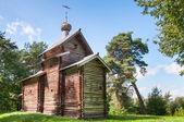 Piccola chiesa in legno — Foto Stock