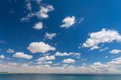 Güzel gökyüzü ve deniz — Stok fotoğraf