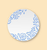 White plate with hand drawn floral ornament, empty ceramic plate — Wektor stockowy