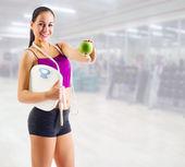 Sportig tjej på fitness club — Stockfoto