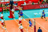 WARSAW, POLAND - AUGUST 30 : Volleyball Men's World Championship opening game Poland-Serbia, Warsaw, 30 August 2014 — Stock Photo