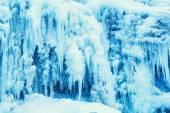 Gefrorenen Wasserfall des blauen Eiszapfen — Stockfoto