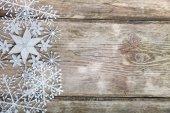 雪ボーダー グランジ木製の背景. — ストック写真