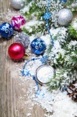 Christmas decorations and clock i — Stock Photo