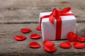 Holidays gift and red hearts  — Fotografia Stock