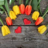 Bouquet of tulips and hearts — Foto Stock
