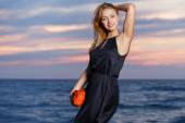 Beautiful girl on the beach — Stock Photo