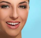 Young smiling woman — Stock Photo
