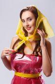 γυναίκα σε κομψό φόρεμα φθινόπωρο — Photo