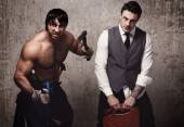 Мужчины со строительными инструментами — Стоковое фото