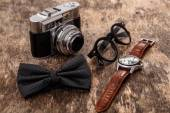 Retro camera on the wooden table — Stock Photo
