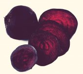 Sliced beetroot on a white — Stock Photo