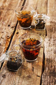 Cups of loose tea — Stock Photo