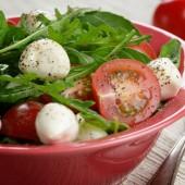 Caprese Salad and bread — Stock Photo