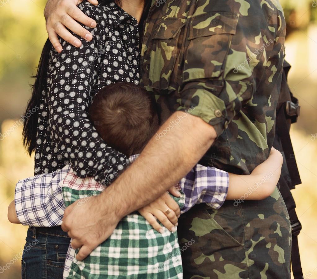 Фото ребёнка с солдатом