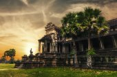 Angkor Thom temple at sunset. Angkor Wat, Cambodia — Stock Photo