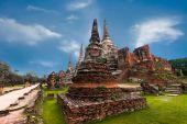 Ancient Buddhist pagoda ruins — Stock fotografie