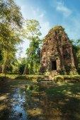Ancient pre Angkor Sambor Prei Kuk temple ruins. Cambodia  — Stock Photo