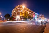 Scene of night life in Phnom Penh — Stock Photo