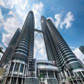 Petronas Twin Towers at Kuala Lumpur City Center. Malaysia — Stockfoto