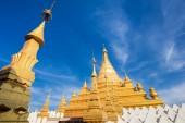 Golden Sandamuni Pagoda. Mandalay, Myanmar (Burma) travel — Stockfoto