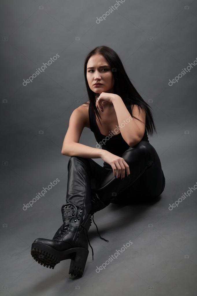 Frauen in Lederhose: Schn oder schlimm? Lederhosen